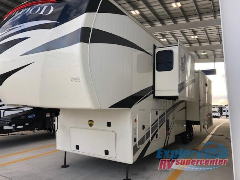 New 2019 Redwood Rv Redwood 3901mb Fifth Wheel At