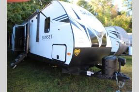 New 2020 CrossRoads RV Sunset Trail SS331BH Photo