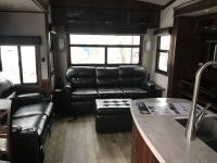 New 2019 Jayco Pinnacle 32RLTS Photo