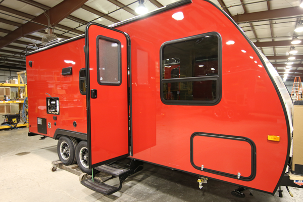 Winnebago Gel-coat sidewall