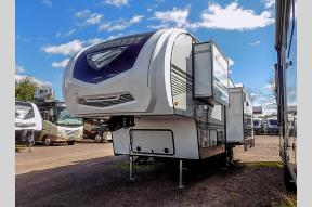 New 2019 Winnebago Industries Towables Minnie Plus 27RLTS Photo
