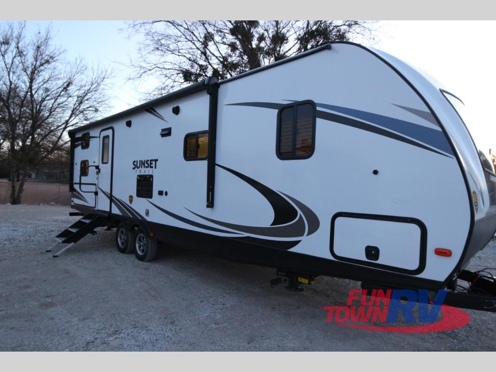 Toy Haulers For Sale In East Texas >> New 2018 CrossRoads RV Sunset Trail Grand Reserve SS28BH Travel Trailer at Fun Town RV ...