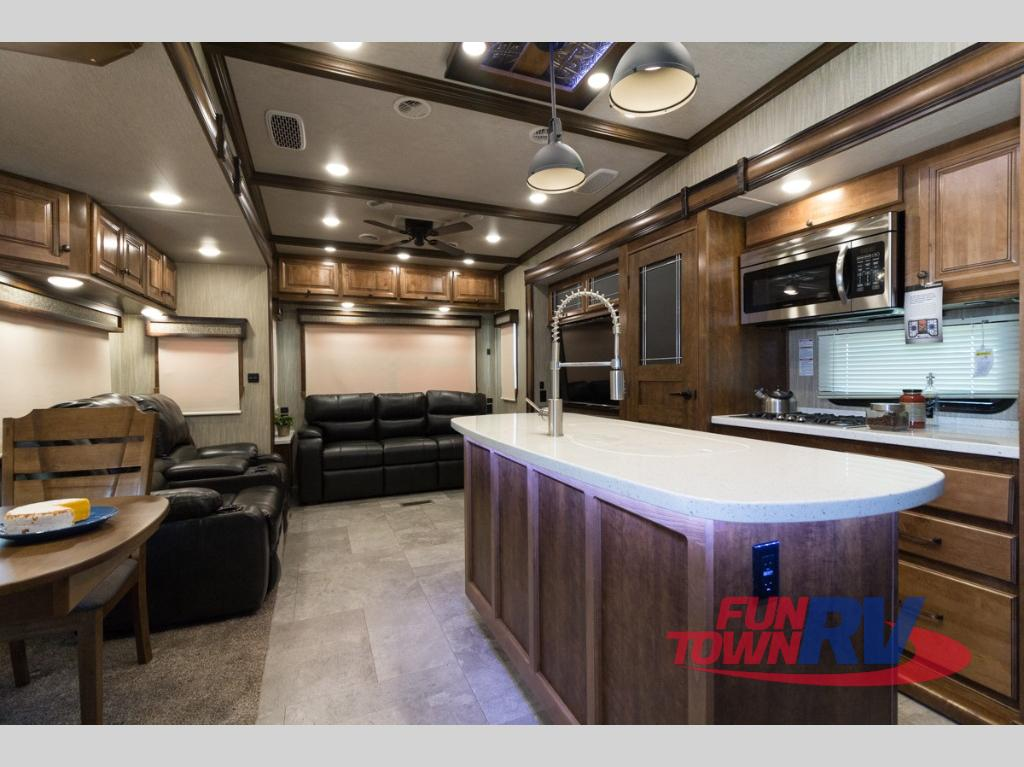 New 2019 Heartland Country 3560ss Fifth Wheel