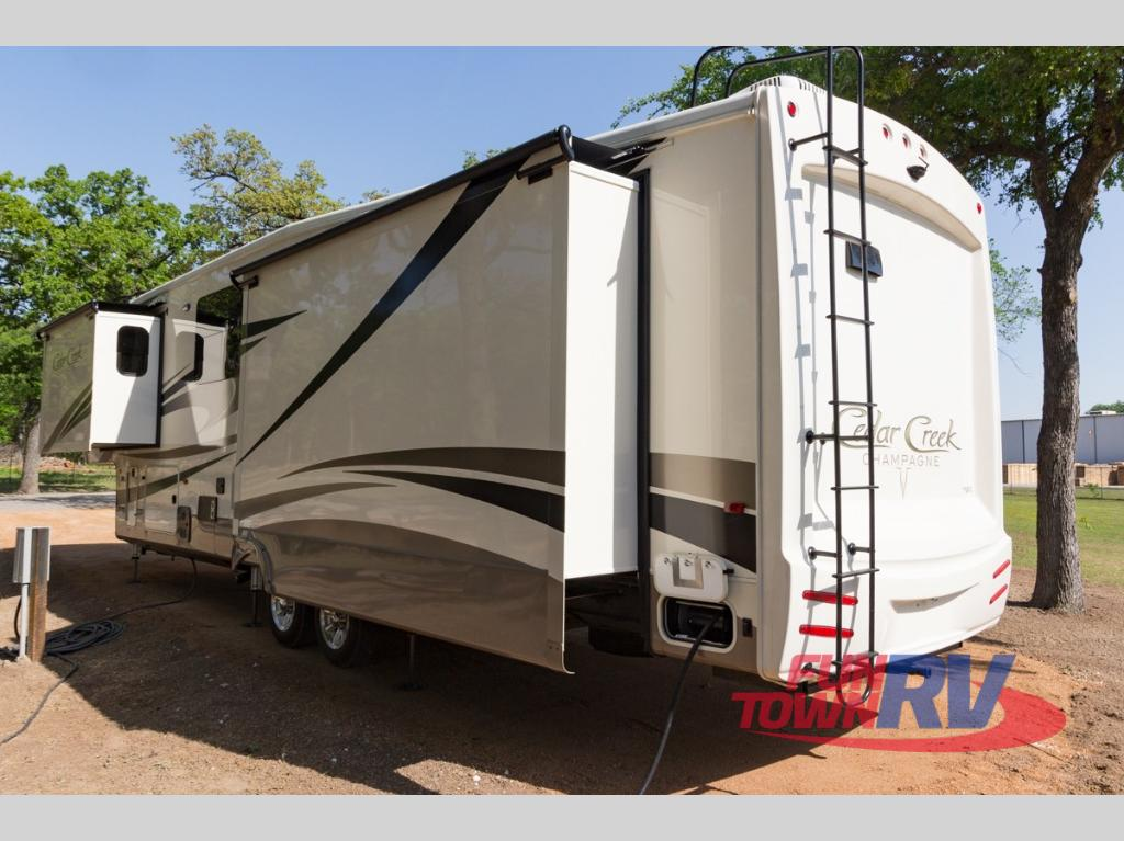 Toy Haulers For Sale In East Texas >> New 2018 Forest River RV Cedar Creek Champagne 38ERK Fifth Wheel at Fun Town RV | Cleburne, TX ...