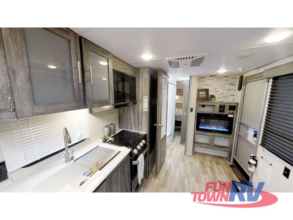 New 2020 Forest River Rv Wildwood Fsx 260rt Toy Hauler