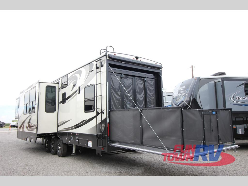 Pre Owned Rvs For Sale Dallas Fort Worth >> New 2018 Heartland Road Warrior 427RW Toy Hauler Fifth Wheel at Fun Town RV | Denton, TX | #900693