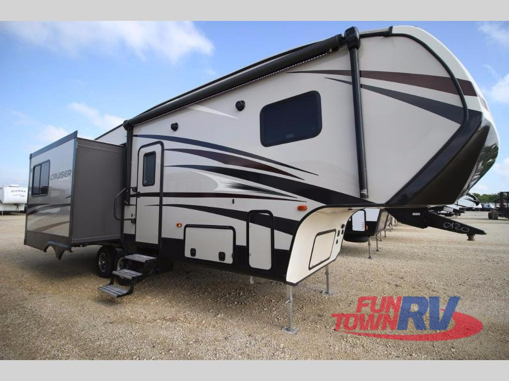 Cruiser Rv For Sale Houston Tx >> New 2018 CrossRoads RV Cruiser Aire CR28RL Fifth Wheel at Fun Town RV | Cleburne, TX | #8CR28C