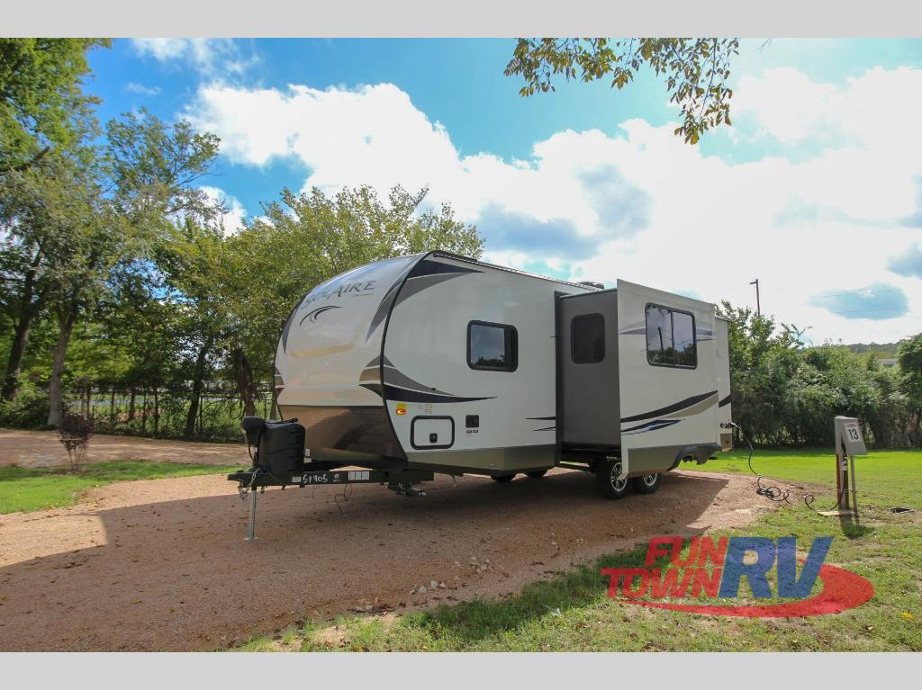New 2019 Palomino Solaire Ultra Lite 240bhs Travel Trailer