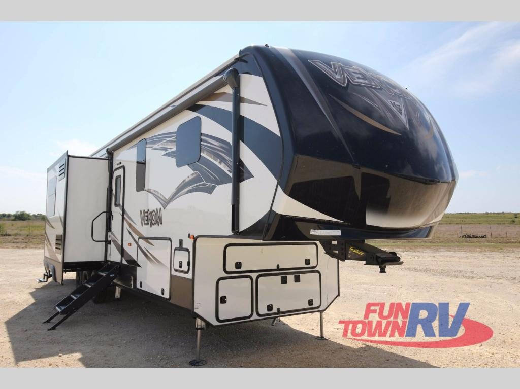 Toy Haulers For Sale In East Texas >> New 2018 KZ Venom 3911TK Toy Hauler Fifth Wheel at Fun Town RV | Cleburne, TX | #142845