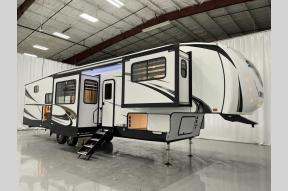 New 2022 Forest River RV Sabre 37FLH Photo