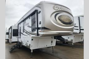 New 2019 Palomino Columbus F366RL Photo