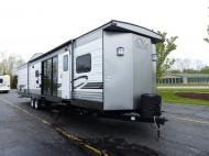 New 2019 Forest River RV Wildwood DLX 4002Q