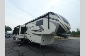 New 2021 Grand Design Solitude 310GK Photo