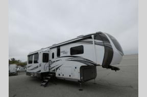 New 2021 Jayco North Point 373BHOK Photo