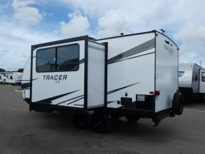 Tracer 190RBSLE Photo