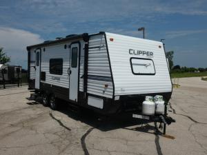 Clipper Ultra-Lite 21FQ Photo