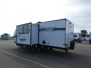 Tracer Breeze 24DBS Photo