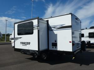 Tracer Breeze 20RBS Photo