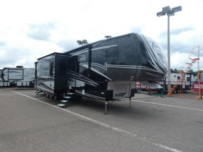 Used Toy Hauler Fifth Wheels
