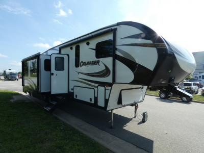 New 2019 Prime Time RV Crusader 337QBH Photo