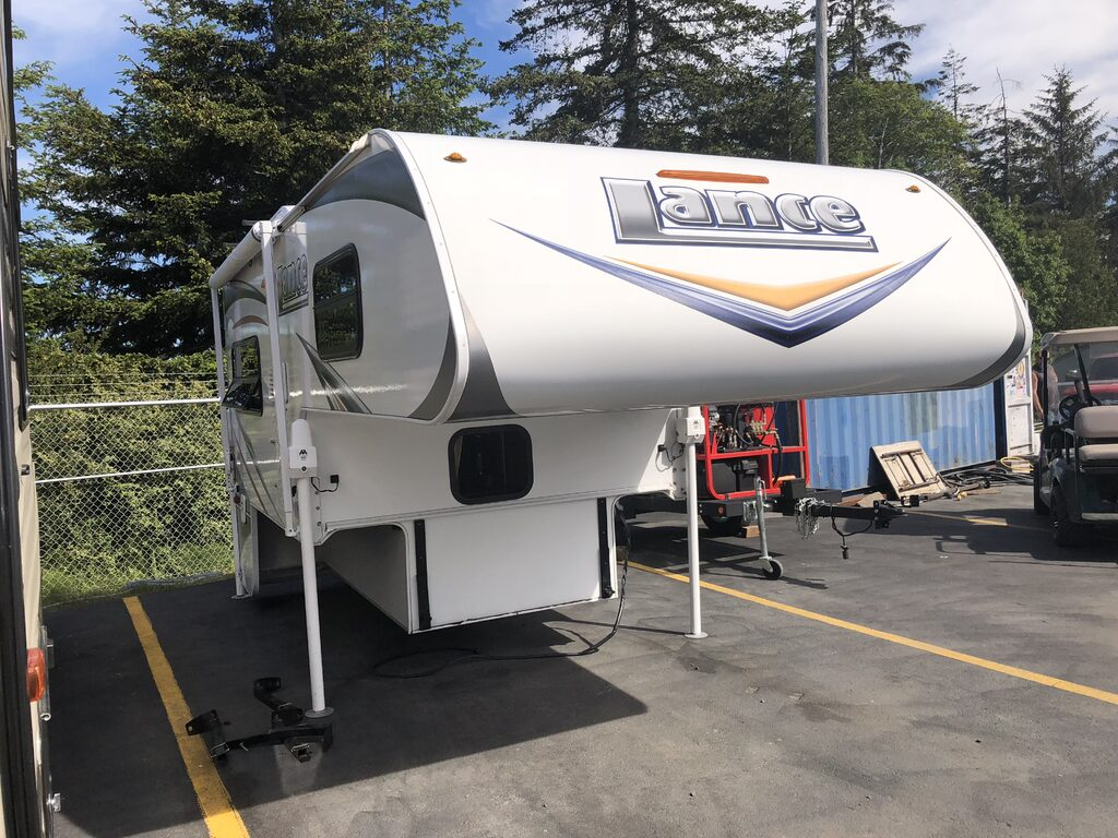 Used 2014 Lance 865 Truck Camper at Gib's RV Superstore | Coos Bay