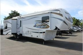 Used 2014 Keystone RV Montana 3725 RL Photo