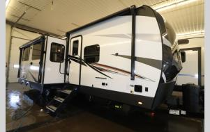 New 2021 Forest River RV Rockwood Signature Ultra Lite 8336BH Photo