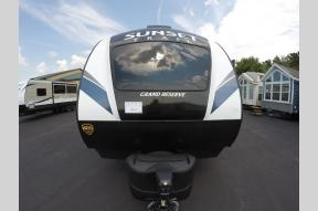 New 2019 CrossRoads RV Sunset Trail Grand Reserve SS33SI Photo
