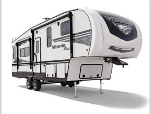 Outside - 2020 Minnie Plus 29RBH Fifth Wheel