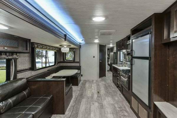 Heartland Pioneer Travel Trailer Reviews | Floorplans | Features | Available Models - RVingPlanet