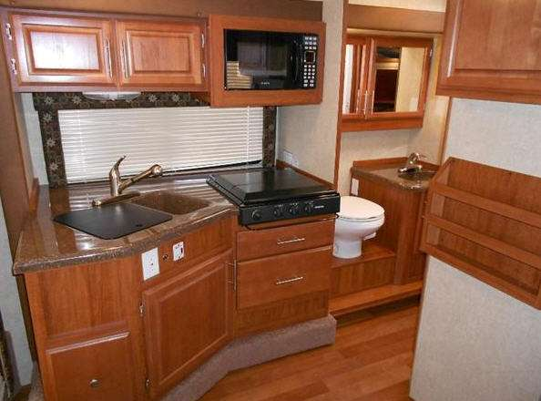 New Host Industries Aspen 95 LB Truck Camper For Sale