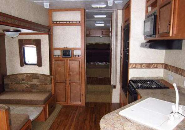 Gulf Stream RV Innsbruck Fifth Wheel Reviews | Floorplans | Features