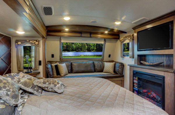 100 5th Wheel Campers With Front Living Rooms Used