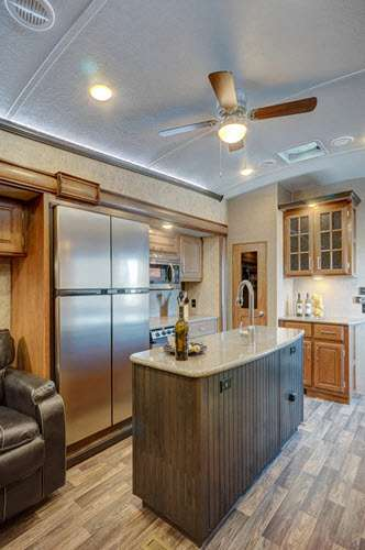 Rv And Campers For Sale >> Keystone RV Montana Fifth Wheel Reviews | Floorplans | Features | Available Models - RVingPlanet