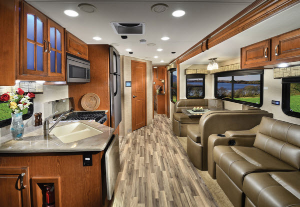 New Dynamax Isata 5 30FW Motor Home Class C