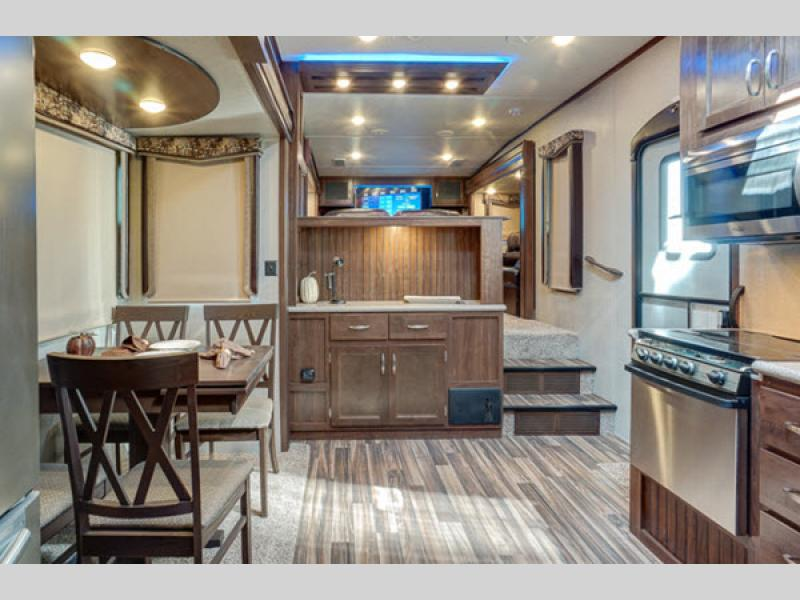 Luxury Fifth Wheel >> Montana High Country Toy Hauler Fifth Wheel | RV Sales | 2 Floorplans