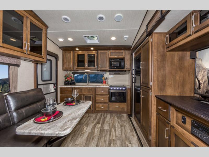 Reflection 150 Series Fifth Wheel