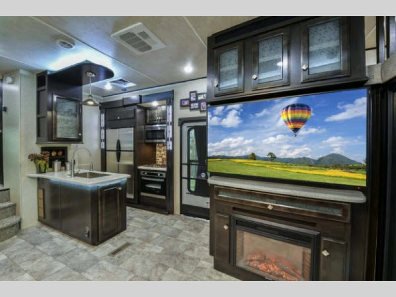 Pre Owned Rvs For Sale Dallas Fort Worth >> Road Warrior Toy Hauler Fifth Wheel | RV Sales | 8 Floorplans