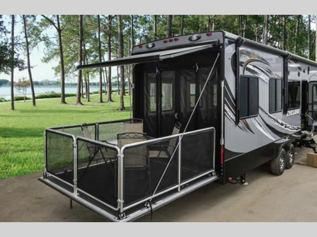 New 2018 Heartland Cyclone 3418 Toy Hauler Fifth Wheel At