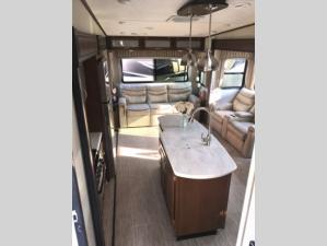 Outside - 2019 Wildcat 29RLX Fifth Wheel