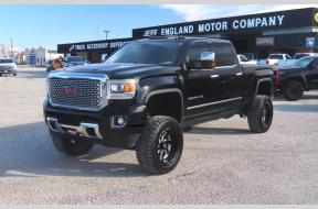 Used 2015 GMC 2500 Denali Crew Cab lifted 4x4 Photo