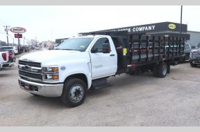 Used 2019 Chevy 5500 Regular Cab Stake bed with hydraulic lift Photo