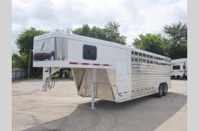 Used 2019 Fabrique Feather Lite 8413 Horse Trailer Photo