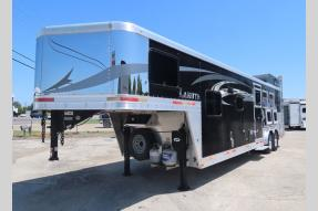 Used 2017 Lakota Charger C8311 Horse Trailer Photo
