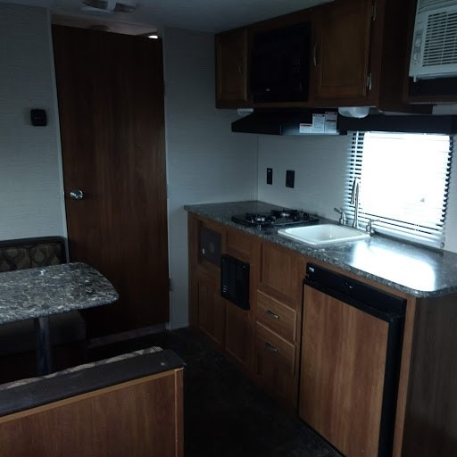 Used 2015 Keystone Rv Summerland Mini 1700fq Travel