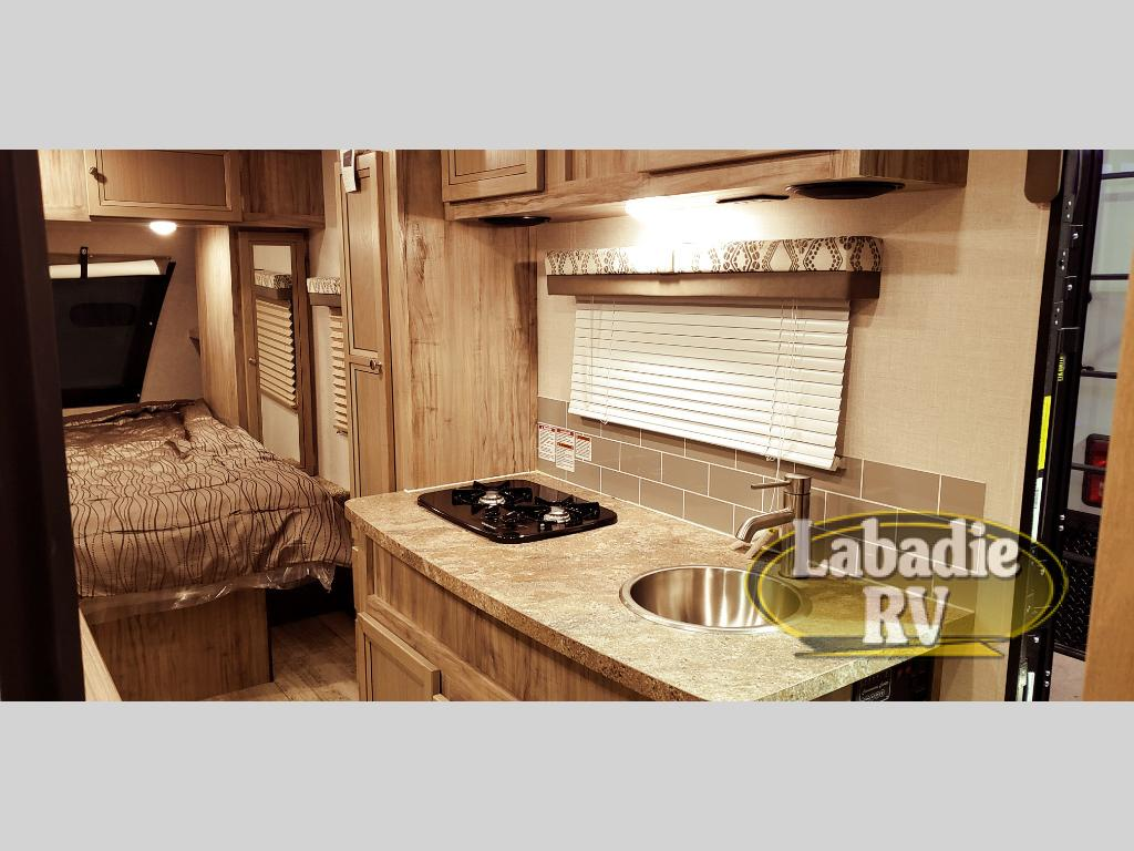 New 2019 Palomino Real Lite Mini Rl 181 Travel Trailer At