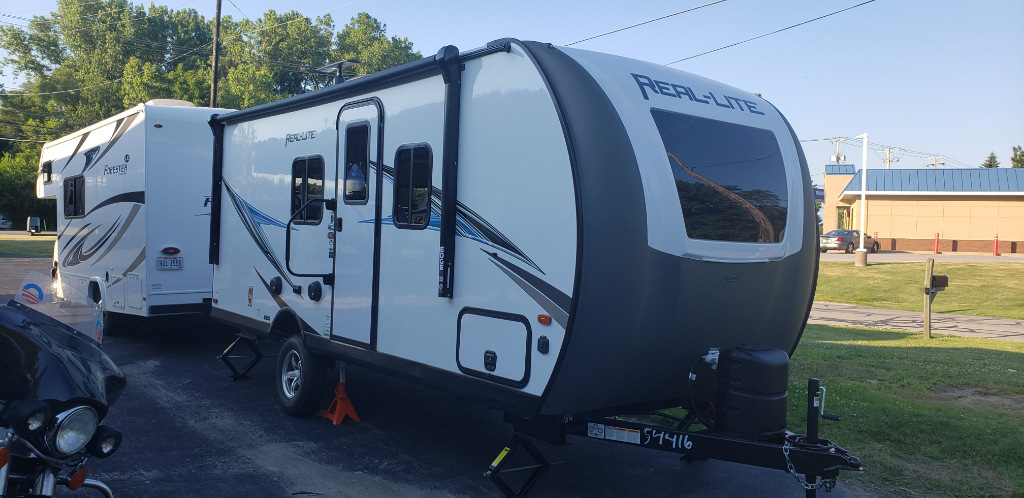 New 2021 Palomino Real-Lite Mini RL186 Photo