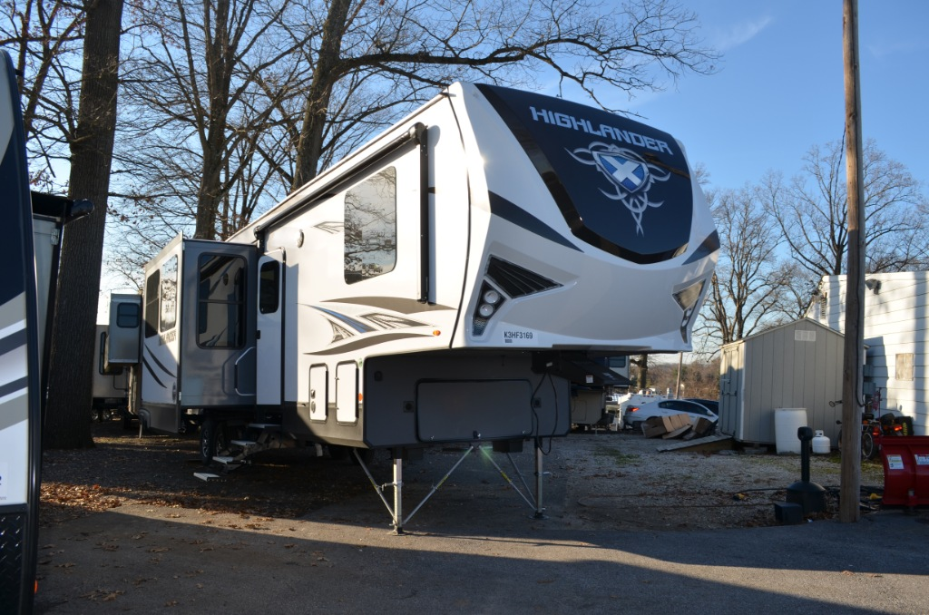 New Toy Hauler Fifth Wheels Raised Patio