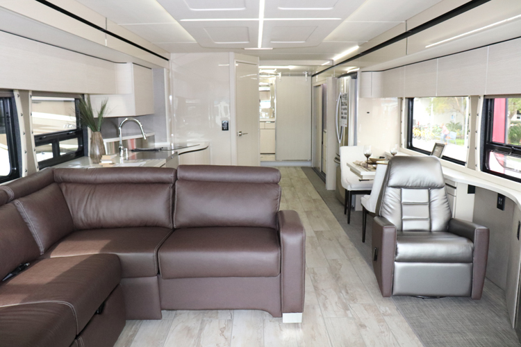 Winnebago Horizon