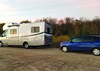 Winnebago View with Tow Car